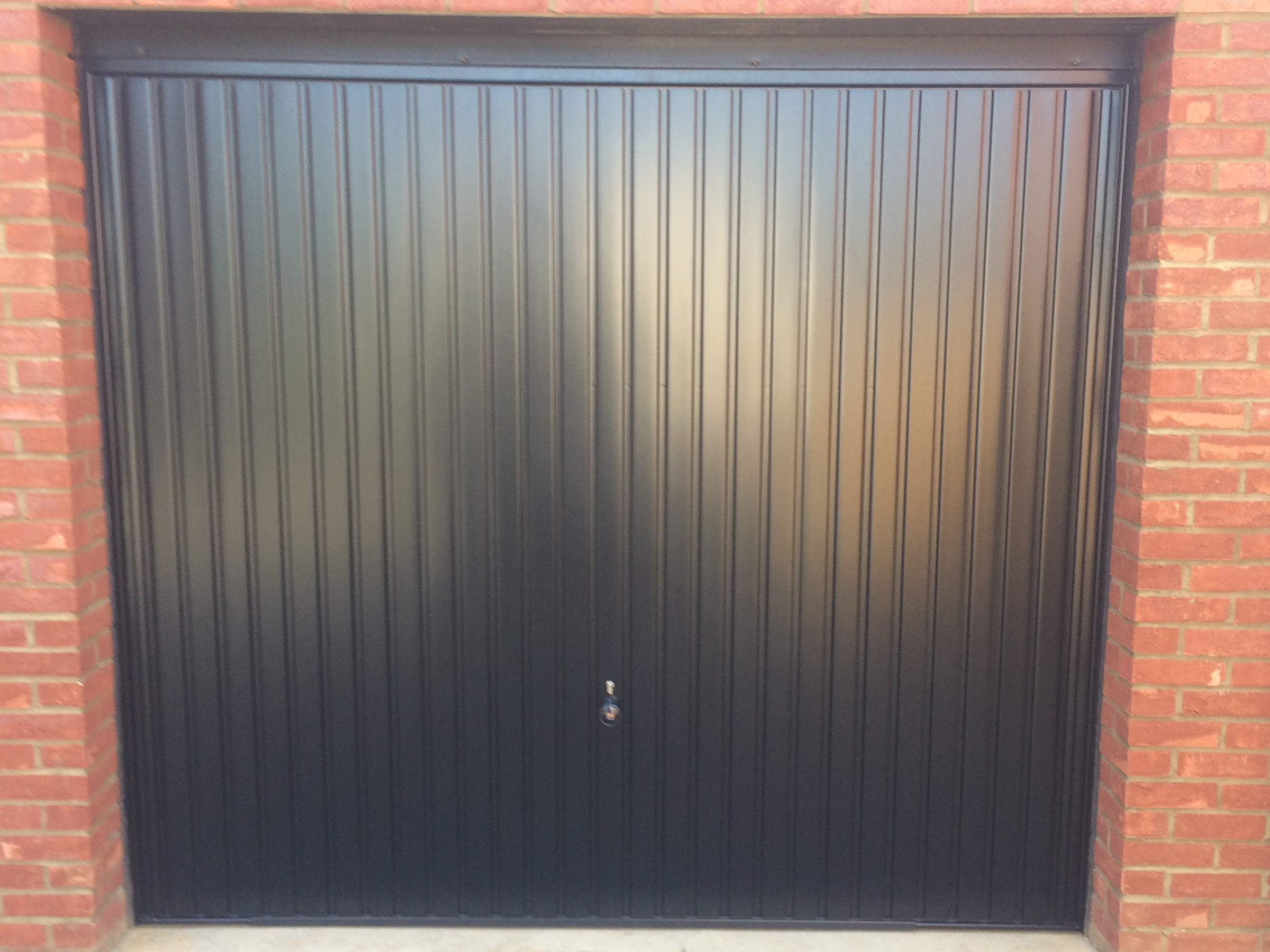 Hormann garage doors sectional garage doors online uk affix the steel sub frame to the structural opening using the set of steel brackets supplied 3 down each side of the frame one at the head rubansaba