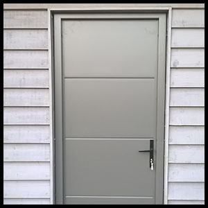 Insulated personnel doors