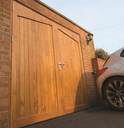 Gentil Woodrite Side Hinged Garage Door