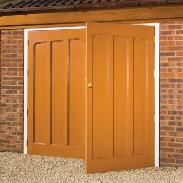 Timber Side Hinged Door/></p>